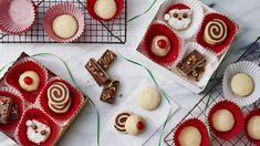 Our 70 Easiest Ever Christmas Cookie Recipes 70 Easy Christmas Cookies - Christmas Cookie Recipes You'll Love Party Cookies Recipe, Cookie Dough Recipes, Butter Cookies Recipe, Holiday Cookie Recipes, No Bake Cookies, Holiday Cookies, Holiday Baking, Cookies Et Biscuits, Holiday Meals