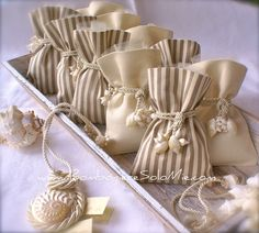 Great way to use shells and rope Lavender Crafts, Lavender Bags, Lavender Sachets, Diy Wedding Favors, Wedding Gifts, Confetti Bags, Sachet Bags, Fabric Gift Bags, Cream Wedding