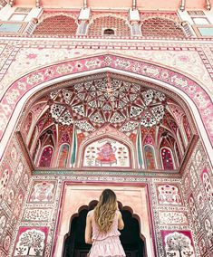 ⠀⠀⠀⠀⠀⠀⠀⠀⠀ We're in love with this absolutely stunning masterpiece at the Amer Palace ⠀⠀⠀⠀⠀⠀⠀⠀⠀ Phot Jaipur Travel, India Travel, Beach Pictures, Travel Pictures, Summer Pictures, Nepal, Travel Pose, Namaste India, Amer Fort
