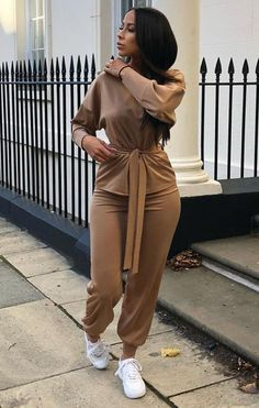 Cute Swag Outfits, Sporty Outfits, Classy Outfits, Stylish Outfits, Fashion Outfits, Loungewear Outfits, Loungewear Set, Two Piece Pants Set, Dress To Impress