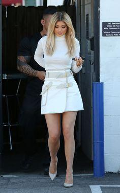 Gente, pára tudo! Vocês acham que eu sou Kardashianática, ok vocês estão bem certas, mas veja só: eu nunca fiz 'Por aí' com uma das figuras mais retumbantes do klã: a kaçula Kylie Jenner. Demorei um pouco porque o estilo da moça é meio oscilante, às vezes é esportivo demais, outras vezes bandage demais, mas […]