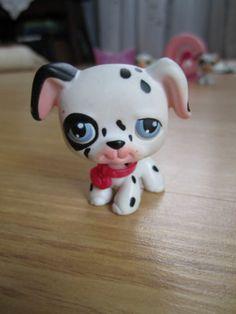 Littlest Pet Shop Dalmation w/ red collar