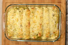 The #SundaySupper group put forth a challenge for us. Could we make a delicious dinner with just five ingredients? Right before this theme was announced I had made these enchiladas, and if you made salsa verde for these from scratch they wouldn't cut it. I had taken the easy route with store bought salsa verde.I …
