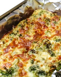 Low Calorie Cheesy Broccoli Quiche-So I basically live on this recipe. I mean, not the recipe. The recipe is great. The conspicuous lack of variety in my recent diet is what's not great. A behind the scenes … Low Carb Low Calorie, No Calorie Foods, Low Calorie Recipes, Low Carb Keto, No Carb Diets, Diet Recipes, Cooking Recipes, Healthy Recipes, Low Calorie Dinners