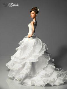 Estibaliz. Una novia de verdad (Estibaliz. Real Bride) | Flickr Barbie Bridal, Barbie Wedding Dress, Wedding Doll, Barbie Gowns, Barbie Dress, Barbie Clothes, Bridal Gowns, Wedding Gowns, Beautiful Barbie Dolls