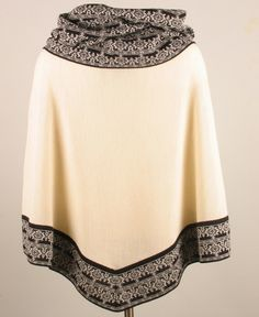 Timeless chic Alpaca knit Poncho Timeless elegant and fantastic warming