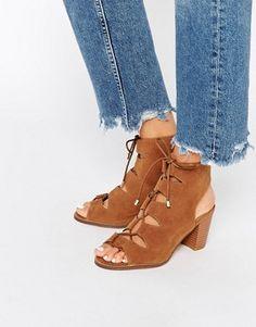 Oasis - Sandales à lacets et talons carrés