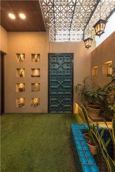 Door Design Interior, Main Door Design, Foyer Design, Entrance Design, House Entrance, Interior And Exterior, Bamboo House Design, Duplex House Design, Home Room Design