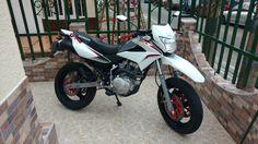 Creo 150 l modificada llantas Xr 150 Honda, Honda Xr, Motos Honda, Honda Bikes, Motorcross Bike, Moto Car, Bros, Dream Machine, Ride Or Die
