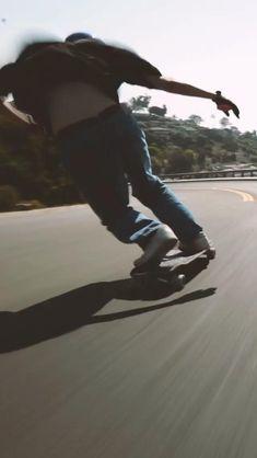 Beginner Skateboard, Skateboard Videos, Skateboard Girl, Skate Girl, Skate Style, Applis Photo, Longboarding, Roller Skating, Aesthetic Videos