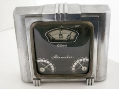 Antiques and Collectibles Resources Classic Clocks, Retro Fashion, Antiques, Retro Style, Objects, Classy, Vintage, Antiquities, Antique