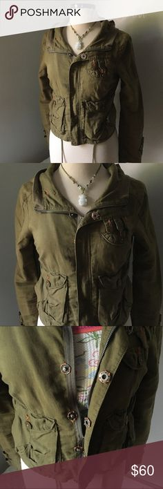 Free People Military Green Utility/Bomber Jacket Another great Fall 2016 Trend. Great with jeans and a tee. Add to a long tunic and leggings. It is lightweight. A button will need to be tightened. I am going to do that. Please see pics. Has a tie at bottom. Also equipped with a hood! Measurements at request. 9416 Free People Jackets & Coats Utility Jackets