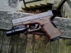 Full Of Weapons: Glock 19 Gen 4