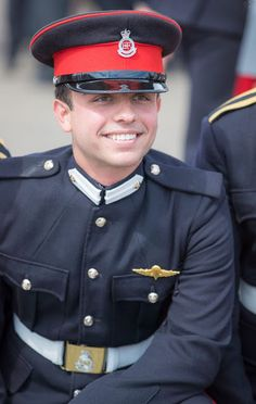 Crown Prince Hussein of Jordan, has just completed his officer training at the Royal Military Academy Sandhurst on August 2017 in Camberley, England. Royal Military Academy Sandhurst, Jordan Royal Family, Ariana Grande Outfits, Queen Rania, Princes Diana, Royal Clothing, John Fitzgerald, Princess Stephanie, Grand Duke