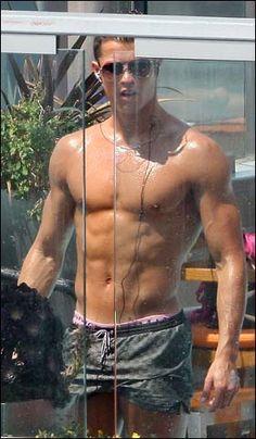 Cristiano_Ronaldo so hot had to pin it twice! Cristiano Ronaldo 7, Good Soccer Players, Baseball Players, Soccer Stars, Soccer World, Raining Men, Fine Men, Good Looking Men, Hot Guys