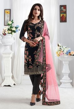 Look beautiful and charming with this festive wear designer straight cut salwar kameez. This salwar suit sumptuously decorated with embroidery work. Churidar Suits, Salwar Kameez, Anarkali Suits, Art Marron, Black Velvet Pants, Costume Noir, Designer Salwar Suits, Neck Deep, Pakistani Suits