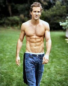 Ryan Reynolds - Abs!!!