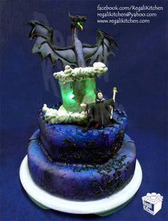 ESPECTACULAR. Maleficent's Transformation cake.