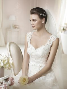Style * DAERON * » Wedding Dresses » White One 2015 Collection » by San Patrick (close up)