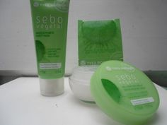 Yves Rocher Sebo Végétal Purity Mask og Yves Rocher Sebo Végètal dag creme. Se min anmeldelse her: http://annarose.bloggersdelight.dk/yves-rocher-sebo-vegetal-zero-blemish-gel-cream-purity-mask/
