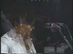 George Strait - You Look So Good In Love (live), whole doesn't love an old fashion waltz...especially when it's George!!