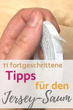 Was, wenn der Jersey-Saum einfach nicht gelingen will? , Here are a few tips for hemming elastic fabrics - there is definitely something for everyone :] I especially liked the tip for sewing with the adhesiv. Sewing Hacks, Sewing Crafts, Textiles, Baby Shirts, Diy Clothes, Diy Fashion, Origami, Kids Outfits, Sewing Patterns