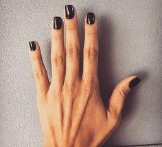 Black shellac nails