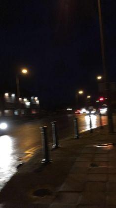 31 Ideas for cars wallpaper night Night Aesthetic, City Aesthetic, Aesthetic Grunge, Applis Photo, Fake Photo, Grunge Photography, Night Photography, Aesthetic Backgrounds, Aesthetic Wallpapers