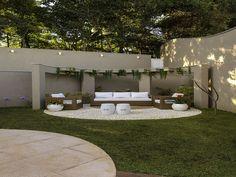 30 back garden design ideas for a family gathering place 28 Back Garden Design, Backyard Garden Design, Small Backyard Landscaping, Patio Design, Backyard Patio, Pergola Patio, Pergola Kits, Wisteria Pergola, Curved Pergola