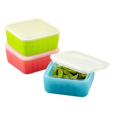 Created by a mom who wanted an alternative to packing her child's school lunch in plastic, the frego® Glass & Silicone Square combines eco-friendliness with convenience. Quirky Kitchen, Kitchen Pantry, Kitchen Items, Kitchen Hacks, Kitchen Gadgets, Timeless Kitchen, Kitchen Tools, Kitchen Decor, Organize Plastic Containers