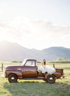 Country wedding photo - My wedding ideas Country Wedding Photos, Wedding Pictures, Wedding Ideas, Wedding Stuff, Wedding Decorations, Old Wedding Photos, Wedding Inspiration, Engagement Pictures, Wedding Things