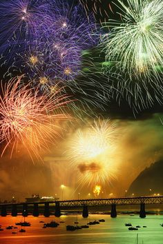 ~~Fireworks Over Montmorency Falls, Quebec, Canada by  Yves Marcoux~~