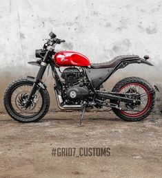 Customs recently built a custom Royal Enfield Himalayan Scrambler that looks more in line with the premium range of products that are found in the Enfield Bike, Enfield Motorcycle, Bike Style, Motorcycle Style, Royal Enfield Accessories, Royal Enfield Modified, Enfield Himalayan, Bike Drawing, Enfield Classic