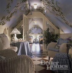 Loft guest quarters sitting area...love the pinted walls and floor...Hydrangea Hill Cottage: Gorgeous Garret Getaways