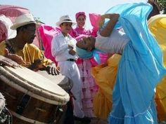 "Documental en Español: ""Raíces"" (Bomba y Plena) The music of indigenous Arawak, the African (so-called erroneous term ""negro"") & the European ""criollos"" (creoles) of Puerto Rico explored in 99 minutes."
