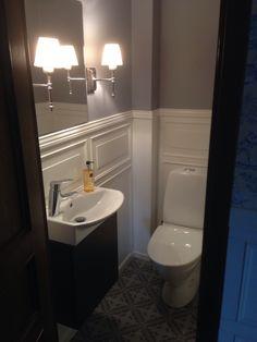 Small Toilet Room, Buy Tile, New England Style, Bathroom Inspo, Marrakech, Corner Bathtub, Powder Room, My Dream Home, Sink