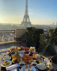 Discover a new side of Paris and explore off the beaten path, with these top ten non-touristy activities. Book today and start planning your ideal Paris trip. Dream Vacations, Vacation Trips, Vacation Travel, Travel Goals, Tourist Trap, Excursion, Beautiful Places To Travel, Travel Aesthetic, Paris Travel