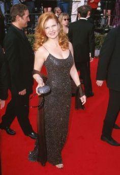 Lolita Davidovich Lolita Davidovich, Stargazing, Redheads, Movie Tv, Red Carpet, High Fashion, Glamour, Actresses, Formal Dresses