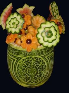 ❀⊱╮Watermelon Carving / Food Art / Fruit Art / food carving / Belcastro's Edible Art - Fruit and Vegetable Sculpture L'art Du Fruit, Fruit Art, Fruit Food, Fruit Cakes, Fruit Sculptures, Food Sculpture, Veggie Art, Fruit And Vegetable Carving, Amazing Food Art