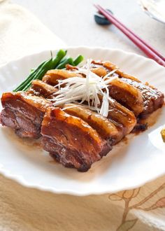 If you love pork, you must try this kakuni (角煮, simmered pork belly). The pork is so tender with lovely sweet soy sauce flavour. Entree Recipes, Meat Recipes, Asian Recipes, Cooking Recipes, Pork Belly Marinade, Pork Menu, Asian Pork Belly, Pork Belly Strips, Barbecue Pork Ribs