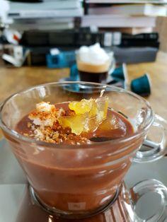 Mousse au chocolat cu cafea, biscuiți și dulceață de portocale   Răzvan Exarhu Unt, Mousse, Pudding, Desserts, Food, Chocolates, Tailgate Desserts, Deserts, Custard Pudding