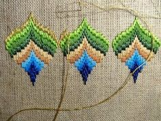 Bargello peakock project pas à pas Hardanger Embroidery, Hand Embroidery Patterns, Embroidery Stitches, Bargello Patterns, Bargello Needlepoint, Cross Stitch Material, Fall Art Projects, Paper Napkins For Decoupage, Swedish Weaving