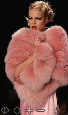 I love pink fox! Fur Fashion, Look Fashion, Womens Fashion, Burberry, Fox Fur Coat, Fur Coats, Pink Fox, Fabulous Furs, Fur Wrap