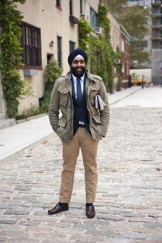 #SmartSikh #Punjab #India #StreetStyle #khakhipants #formal #brown #shoes #outfitidea #fashionable #indian #streetstyle #fridaydressing #street #style #mensfashion #outfitinspiration