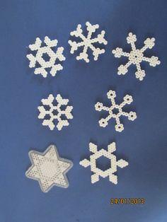 Perler bead winter snowflakes - Otthon készült játékok