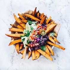 Snacks ❥ Sweet potato fries with nacho toppings ✧ What's your go to snack? / / / / #hummus #snacks #sunday #platter #dip #rosemary #fries #tomato #carrots #eatclean #picnic #avo #avocado #ovenroasted #homemade #sunday #healthyeats #netflixandchill #dinnerdate #appetizer #horsdoeuvres #veggie #vegetarian #vegan #toneitup #glutenfree #salsa #veggies #beautifulhealth #tastemade #thatsdarling