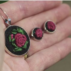 Medallion, pendant, necklace, embroidery, embroidered, ancient, rose, roses
