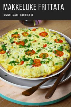 Makkelijke maandag frittata – Francesca Kookt - Ð¡ Крещенским СочеРFrittata, Omelette, Vegetarian Recipes, Cooking Recipes, Healthy Recipes, Easy Diner, Tapas, Veggie Dinner, Prepped Lunches