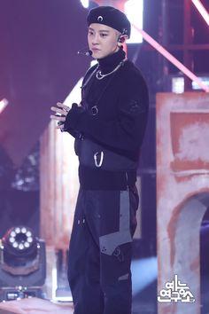191207 Obsession Show Music Core! Park Chanyeol, Baekhyun, Exo Concert, Kim Min Seok, Kim Jongdae, Kim Junmyeon, Bts And Exo, Exo Members, Boy Bands