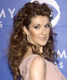 Celine Dion Hairstyle, Makeup, Dresses, Shoes And Perfume Long Face Shapes, Long Faces, Celine Dion Biography, Quebec, Long Pictures, Hair Issues, Dress Makeup, Love Hair, Celebs